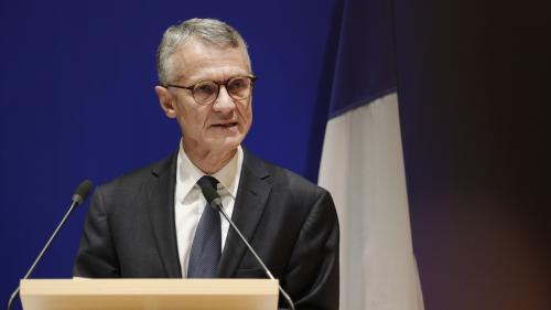 """DIRECT. Attaque à la préfecture de police de Paris : l'assaillant """"aurait adhéré à une vision radicale de l'islam"""", annonce le procureur antiterroriste"""
