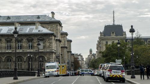 DIRECT. Attaque à la préfecture de police de Paris : Edouard Philippe lance deux missions d'évaluation des agents de la lutte antiterroriste