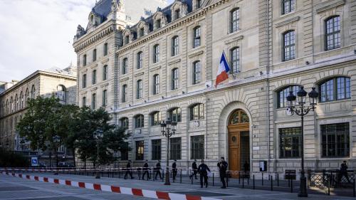 Attaque à la préfecture de police de Paris : pourquoi le parquet national antiterroriste a-t-il été saisi ?