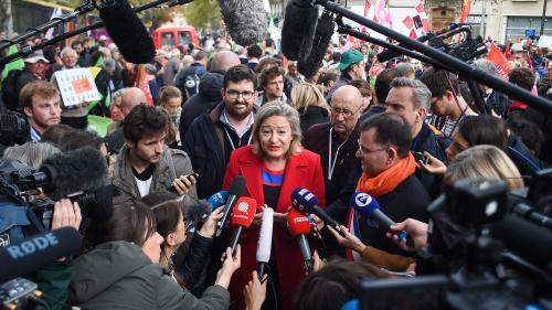 """DIRECT. """"Marchons enfants"""" : dix-sept associations et collectifs se mobilisent contre la PMA pour toutes à Paris"""
