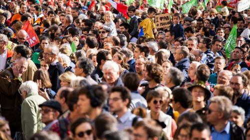 DIRECT. Manifestation anti-PMA pour toutes : 74 500 personnes ont défilé à Paris, selon un comptage indépendant du cabinet Occurrence