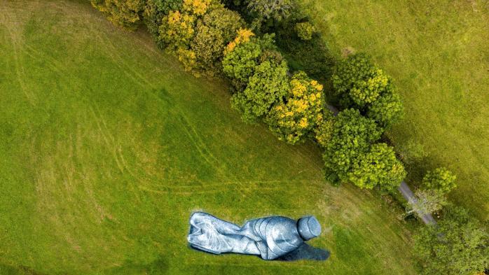 L'oeuvre géante de Saype, pionnier du land art, pour défendre l'environnement
