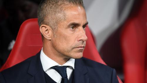 Foot : Sylvinho écarté de son poste d'entraîneur à Lyon