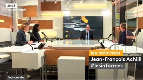 """Le discours martial d'E. Macron contre """"l'hydre islamiste"""", C. Castaner auditionné et la 2e édition de Médias en Seine... Les informés de franceinfo du 8 octobre"""