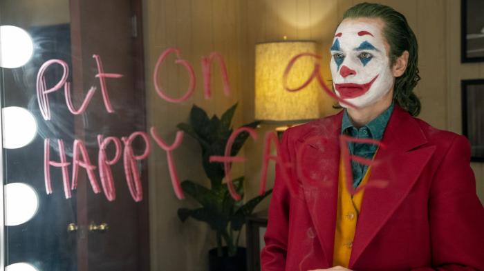 """Joker"" : Joaquin Phoenix hallucinant dans un sacré méchant film"
