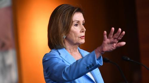 """""""Vous n'êtes pas au-dessus des lois"""" : Nancy Pelosi charge Donald Trump, qui refuse de coopérer à l'enquête du Congrès"""