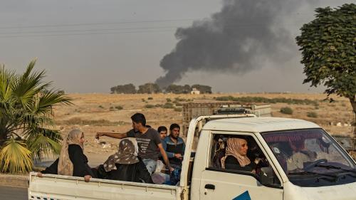 """DIRECT. Syrie : des """"milliers"""" de personnes fuient les raids turcs à la frontière, selon l'Observatoire syrien des droits de l'homme"""