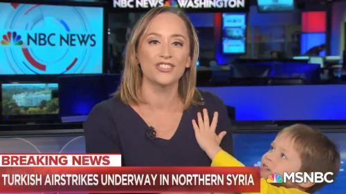 VIDEO. En plein direct sur la Syrie, une journaliste américaine est interrompue par son enfant