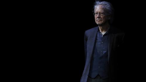 Son envie de supprimer le Nobel, son goût pour les champignons... Neuf choses à savoir sur Peter Handke, le prix Nobel de littérature 2019