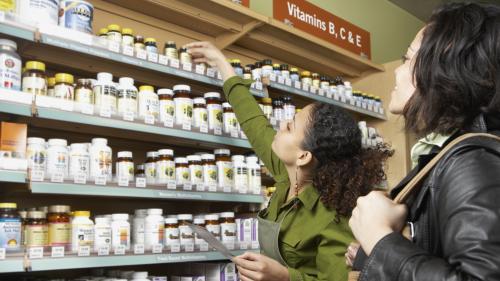 """Inefficaces voire dangereux, les compléments alimentaires critiqués dans une enquête de """"60 millions de consommateurs"""""""