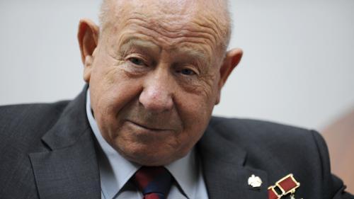 Le cosmonaute soviétique Alexeï Leonov, premier homme à être sorti dans l'espace, est mort