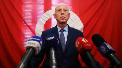Second tour de la présidentielle en Tunisie : deux candidats du dégagisme moins opposés qu'il n'y paraît