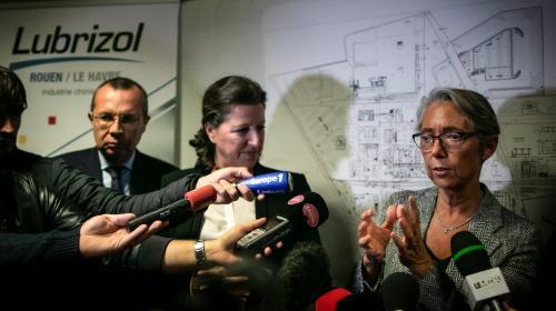 """DIRECT. Incendie de l'usine Lubrizol : trois ministres se rendent à Rouen pour créer un """"comité pour la transparence"""""""