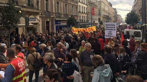 Incendie de l'usine Lubrizol : plus d'un millier de personnes manifestent à Rouen