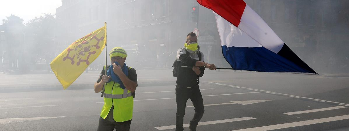"""Des \""""gilets jaunes\"""" manifestent à Toulouse, le 12 octobre 2019."""