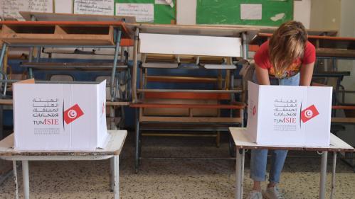 Présidentielle en Tunisie : 17,8% des électeurs sont allés voter dans la matinée