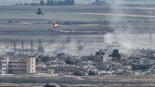 VIDEO. Syrie : un convoi de civils et de journalistes attaqué près de la frontière turque, une équipe de France Télévisions sur place raconte
