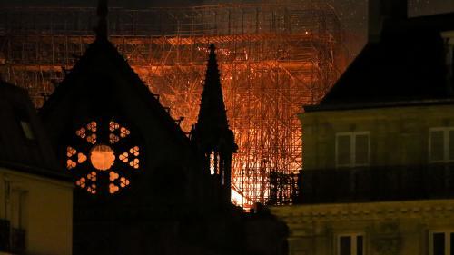 """L'incendie de Notre-Dame au coeur d'une mini-série adaptée d'un reportage du """"New York Times"""""""