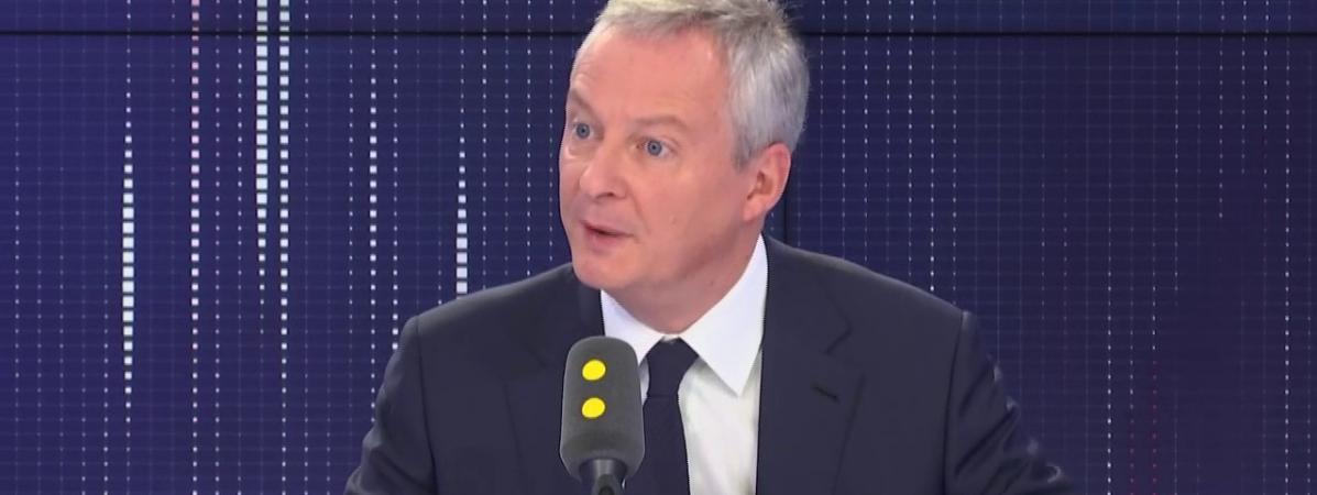 """VIDEO. """"Le voile n'est pas souhaitable, pas ce que l'on peut souhaiter pour la société française"""", selon Br..."""