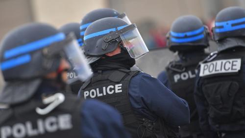 """TEMOIGNAGES FRANCEINFO. Appel à vigilance après l'attaque à la préfecture de Paris : """"C'est une chasse aux sorcières"""", dénonce un policier musulman"""