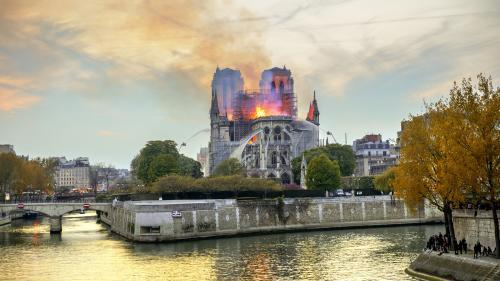 """VIDEO. """"C'est une soirée apocalyptique"""" : six mois après l'incendie de Notre-Dame, le régisseur raconte le sauvetage des reliques"""