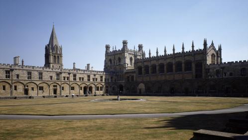 Un professeur de l'université d'Oxford accusé d'avoir vendu sans autorisation des papyrus bibliques