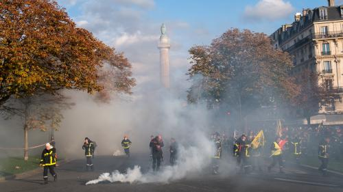 """""""Pourquoi a-t-on donné des instructions pareilles ?"""" Pompiers et policiers s'interrogent après les incidents lors de la manifestation des soldats du feu"""