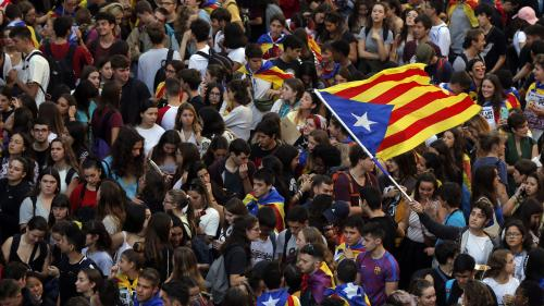 Manifestations géantes, barricades en feu, charges policières... On vous explique l'ampleur de la mobilisation en Catalogne