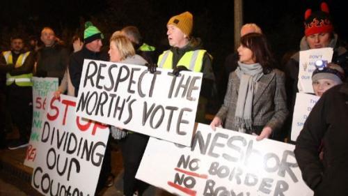 VIDEO. Brexit : manifestations contre le rétablissement d'une frontière en Irlande