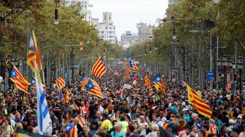 """DIRECT. """"Grève générale"""" en Catalogne : une manifestation massive sur le point de débuter à Barcelone"""