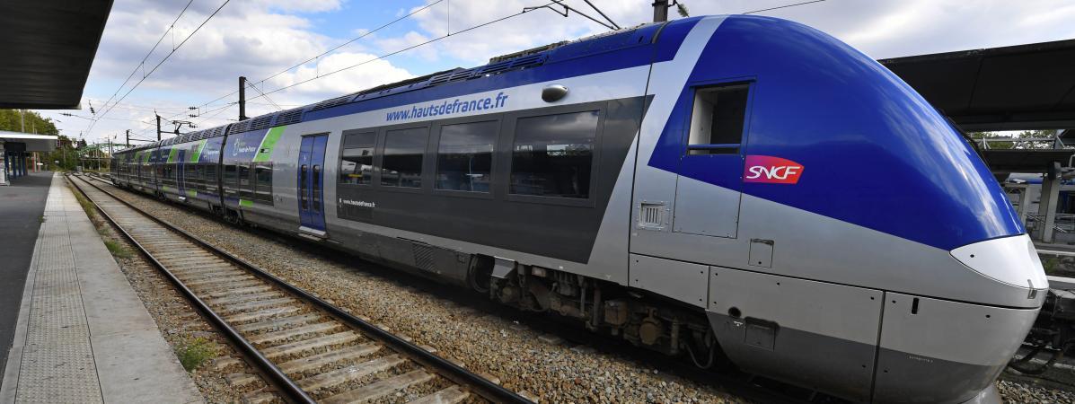 La CGT a appeléles agents à faire valoir leur droit de retrait, le 8 octobre 2019, après une collision entre un TER et un camion dans les Ardennes.