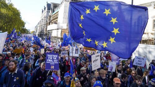 DIRECT. Brexit : des dizaines de milliers de personnes manifestent à Londres pour réclamer un nouveau référendum