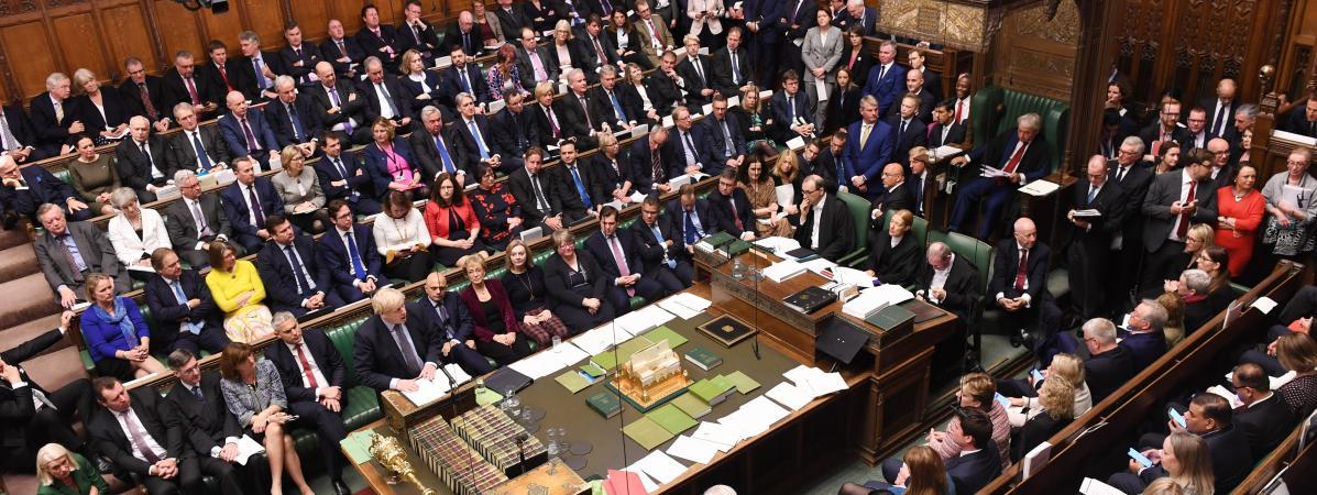 Brexit : les députés britanniques reportent leur décision sur l'accord de sortie de l'Union européenne
