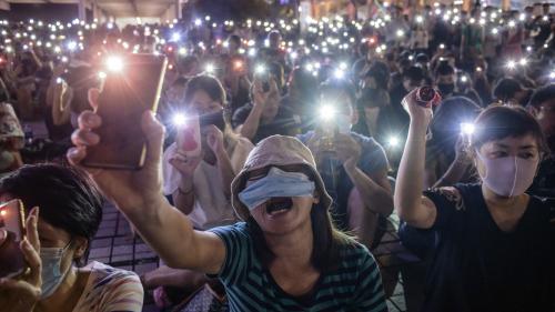Hong Kong : un jeune homme appelant à manifester grièvement blessé à coups de couteau