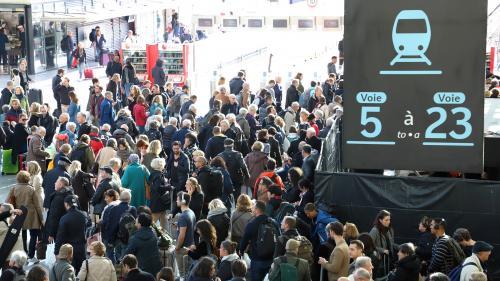 Grève à la SNCF : le trafic reste perturbé ce samedi, au premier jour des vacances scolaires