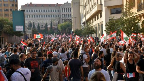 Liban : plusieurs dizaines de milliers de personnes continuent de manifester contre le pouvoir