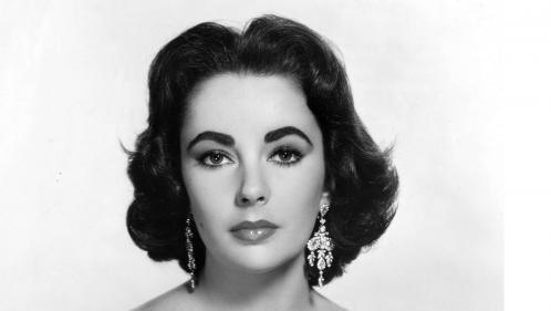 Liz Taylor, côté glamour : tenues et souvenirs de la star d'Hollywood aux enchères à New York