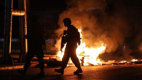 """Chili : sept morts lors des émeutes, le pays est """"en guerre"""", déclare le président"""