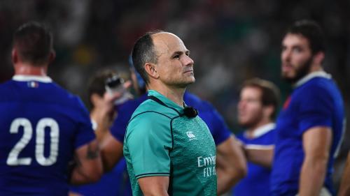 Mondial de rugby : la Fédération internationale enquête sur la photo montrant l'arbitre de Galles-France, Jaco Peyper, mimant le coup de coude de Vahaamahina