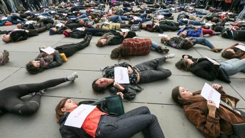 """TRIBUNE. """"Nous porterons la voix de celles qui ne peuvent plus parler"""" : plus de 150 personnalités appellent à défiler contre les violences faites aux femmes"""