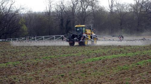 VIDEO. Quand les pesticides empoisonnent les relations entre riverains et agriculteurs