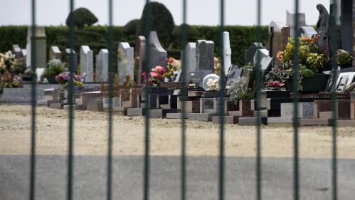 Côtes d'Armor : un adolescent de 16 ans interpellé après la profanation de 80 tombes à Binic
