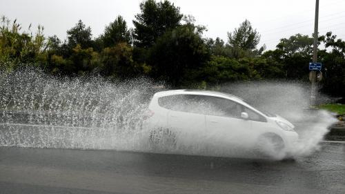 Fortes pluies, vents violents et routes coupées... Les départements de l'Aude et les Pyrénées-Orientales touchés par des intempéries