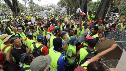 Chômage, pauvreté, coût de la vie... Les raisons de la grève générale prévue à La Réunion pour la visite d'Emmanuel Macron