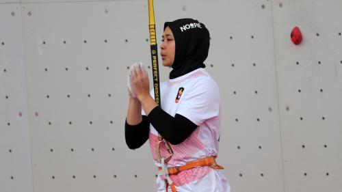 La médaille du jour. Aries Susanti Rahayu est la femme la plus rapide du monde, en escalade de vitesse