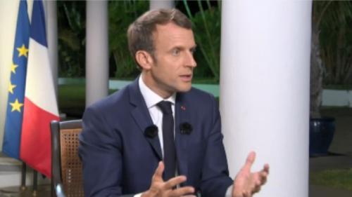 """VIDEO. """"Le port du voile dans l'espace public n'est pas mon affaire"""", déclare Emmanuel Macron"""