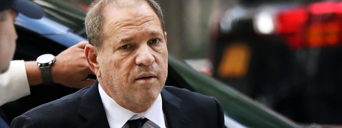 VIDEO. Harvey Weinstein interpellé par des comédiennes alors qu'il assistait à un spectacle de jeunes talen...