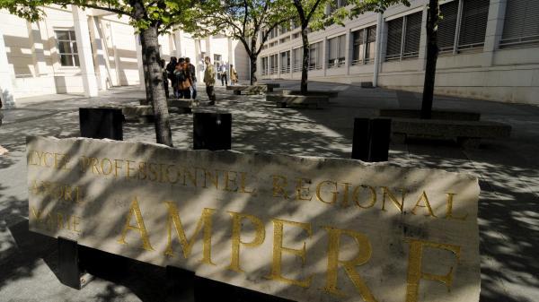 La Cnil s'oppose à la mise en place de la reconnaissance faciale à l'entrée de lycées à Nice et Marseille