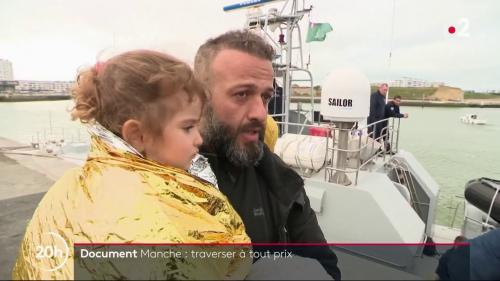 """DOCUMENT FRANCE 2. """"Quel que soit le danger, on ira là-bas"""" : des migrants de plus en plus nombreux tentent de traverser la Manche par tous les moyens"""