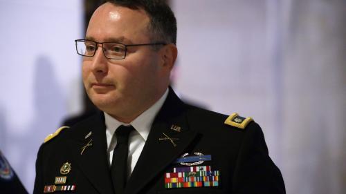 Etats-Unis : un officier respecté livre un témoignage à charge contre Donald Trump